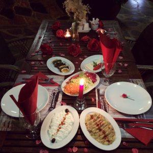 sevgililer günü masası